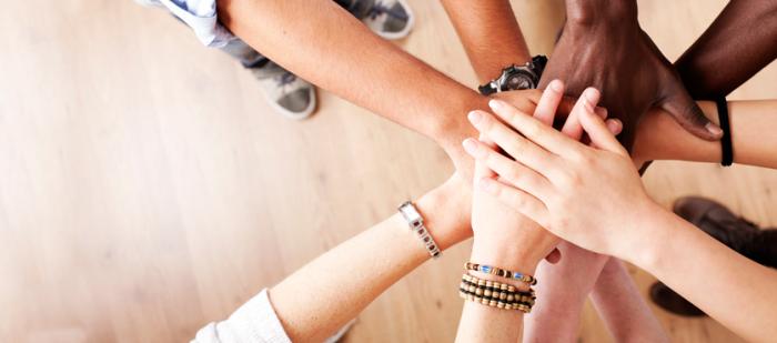 hands-in-teamwork_header1